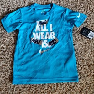 Boys Nike shirt size 4T